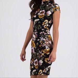 Dresses & Skirts - Floral Print Midi Dress🔥
